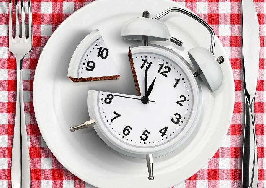 eating clock - شام چی بپزم؟ (غذاهای مناسب شام)