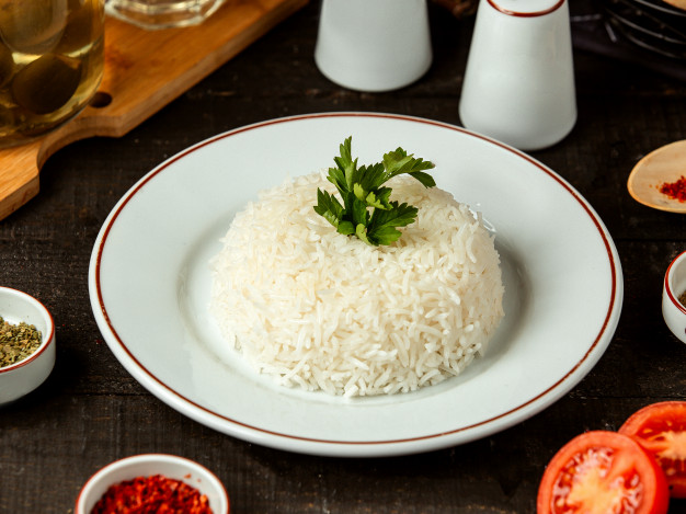 side view plate with cooked rice with parsley table 140725 12126 - سوپر مارکت مشهد