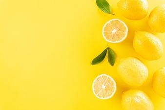 summer composition with lemons green leaves 53476 5356 - مواد غذایی موثر در تقویت سیستم ایمنی بدن؛ تغذیه مناسب روزهای کرونایی
